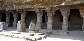 aurangabad Caves, History, Guide provides a complete information on aurangabad Caves, Architecture, Deities, Religious Significance, Legends, Festivals, ancient, tour, travel, vacation, Temple, buddhist, holidays, historian, pictures, mythology, art, people, geography, etc.