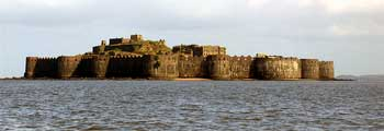 Maharashtra Murud Beach in India Provides - Murud Beach, Murud India Beach, India Murud Beach, Murud Beach in Maharashtra, Murud Beach Tours, hotels, resorts, holidays, vacation, tour